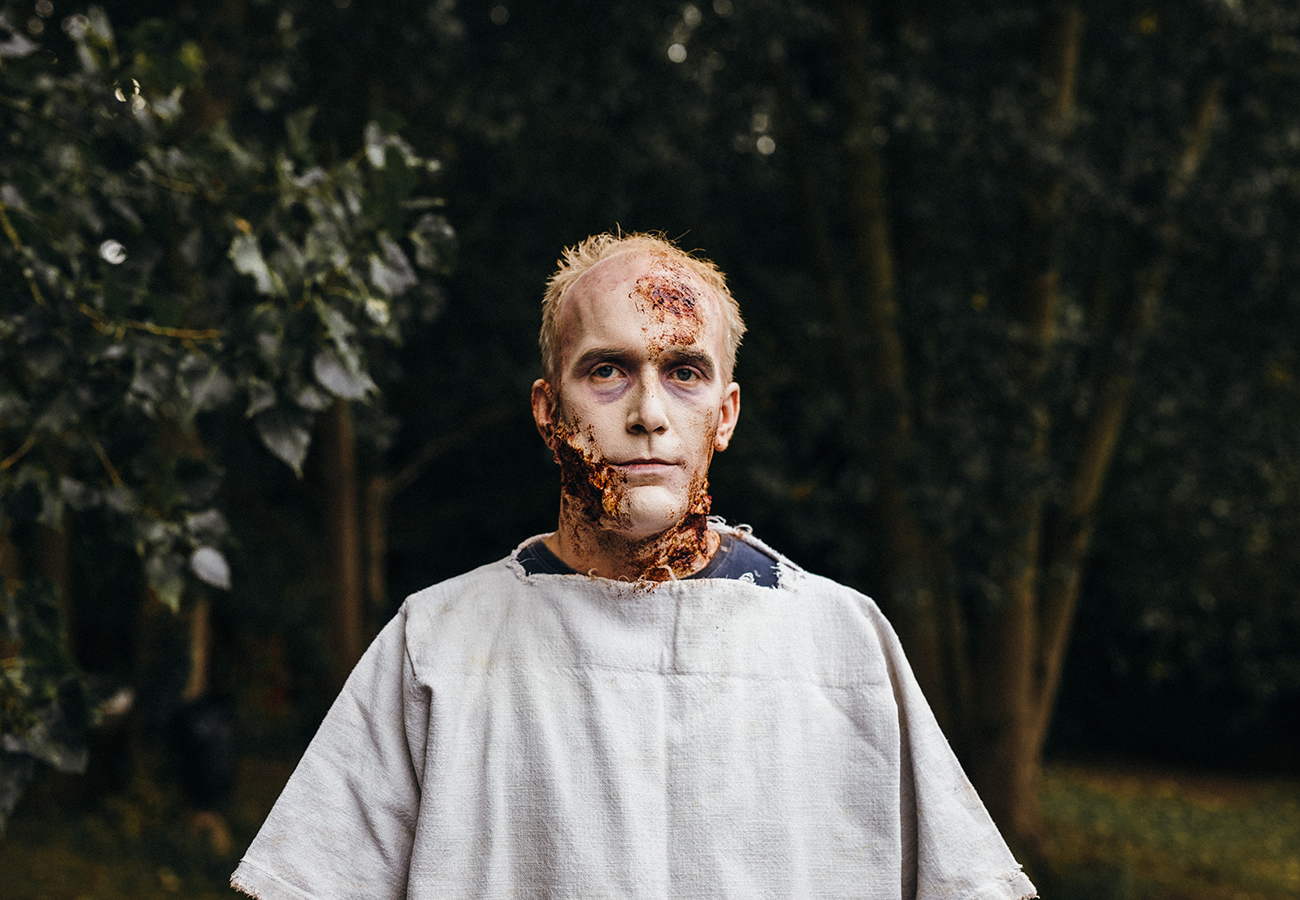 daniel_davies_two_d_photography_commercial_unit_stills_roman_zombie2