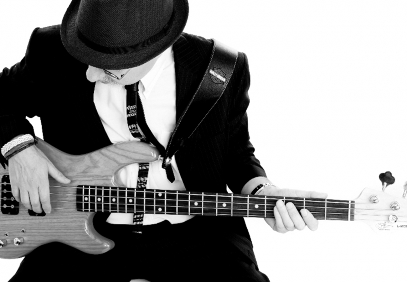 daniel_davies_two_d_photography_commercial_video_music_band_guitarist_2